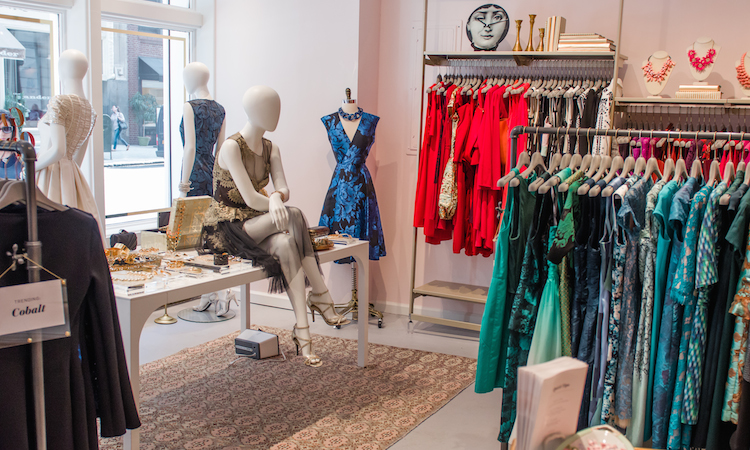 Rent The Runway retail store goes from Online to Offline