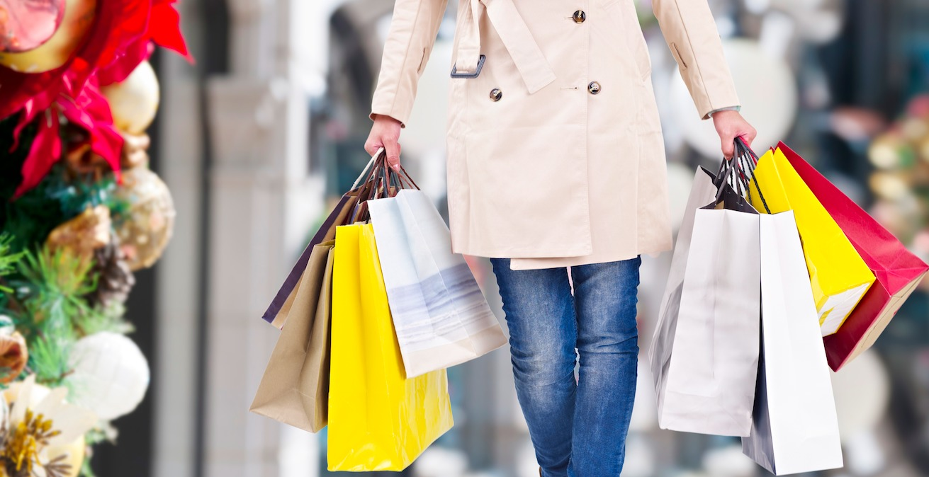 more consumers plan to shop in department stores than online this