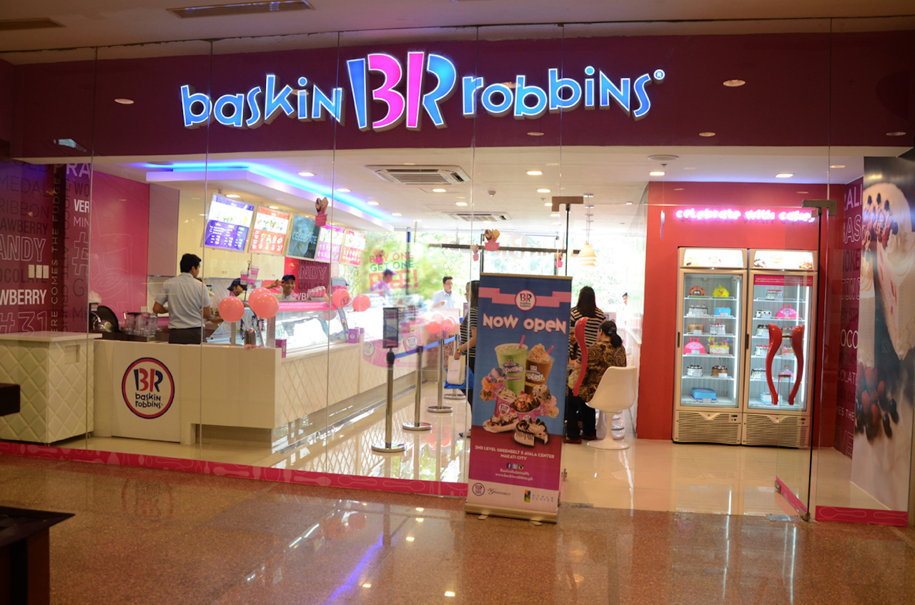 How baskin robbins sells ice cream in winter it helps that baskin robbins has a line of warm desserts and location targeted ads to get customers in from the cold ccuart Images